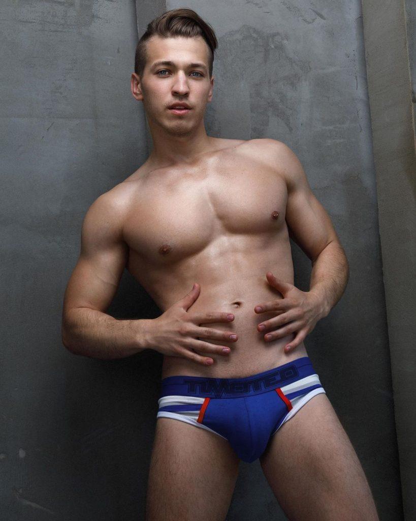 Model Roman in Men's brief