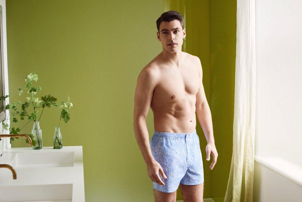 Model in Derek Rose